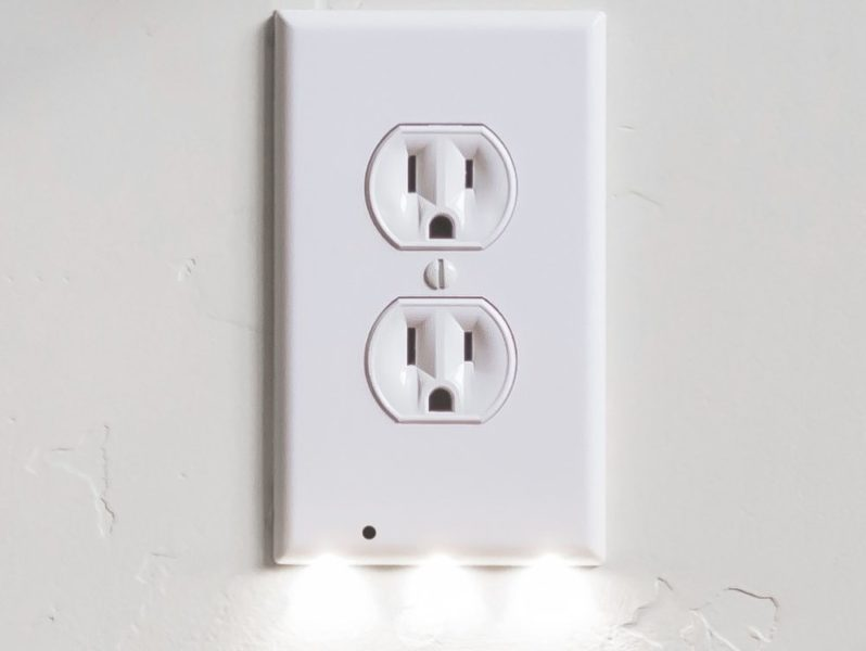 SnapPower GuideLight Outlet Wall Plate With LED Night Lights (12 Pack)